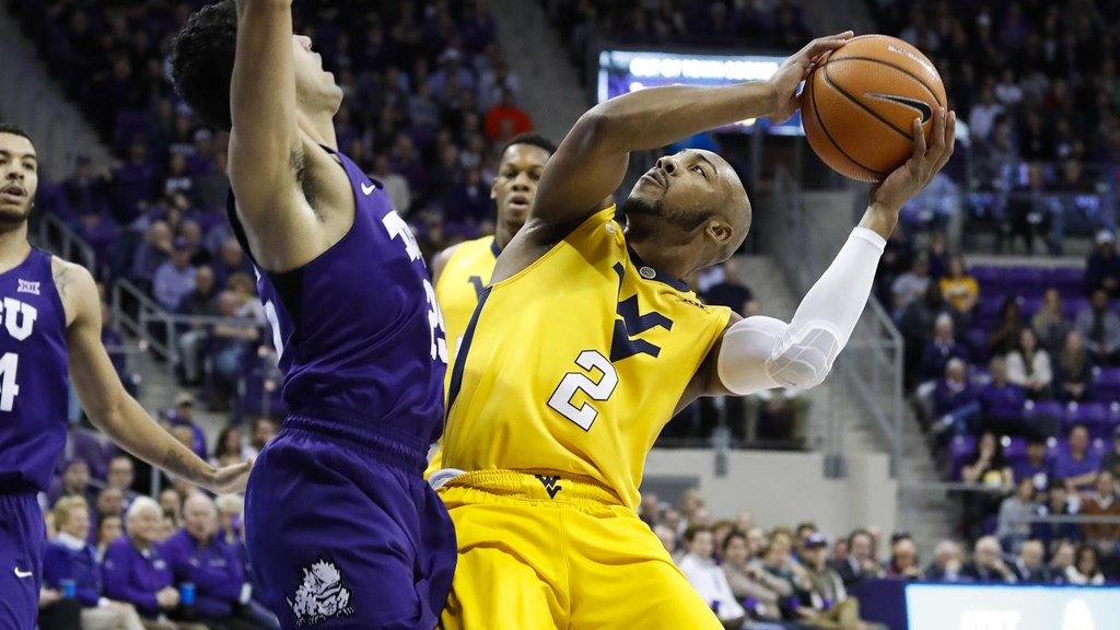 Carter Named Sporting News Second-Team All-American