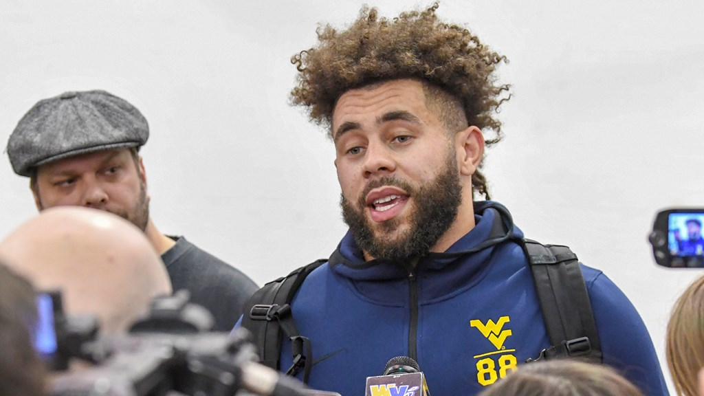 84a17efa38bac9 2-in-1 Player Wesco Impressing Pro Scouts - West Virginia University ...