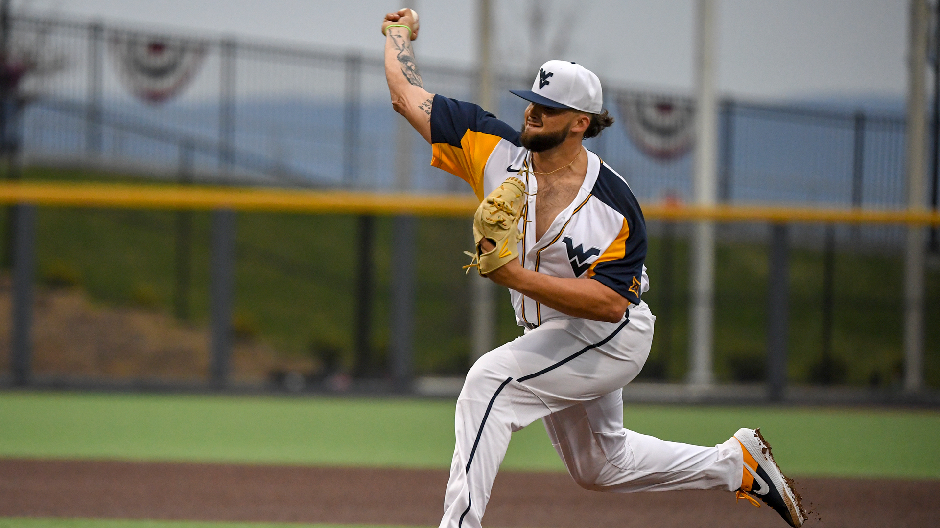 9a2ea6f0203f3 WVU Edged in Opener to No. 19 OU - West Virginia University Athletics